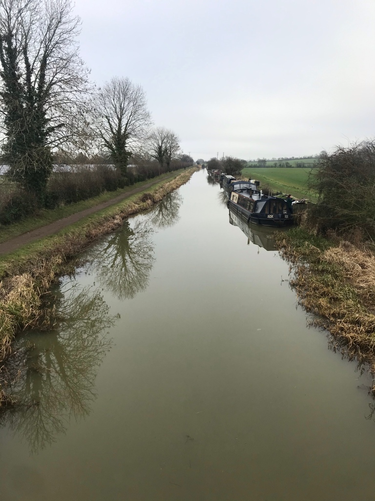 an image of the Avon and Kennet canal on an overcast day in January 2021